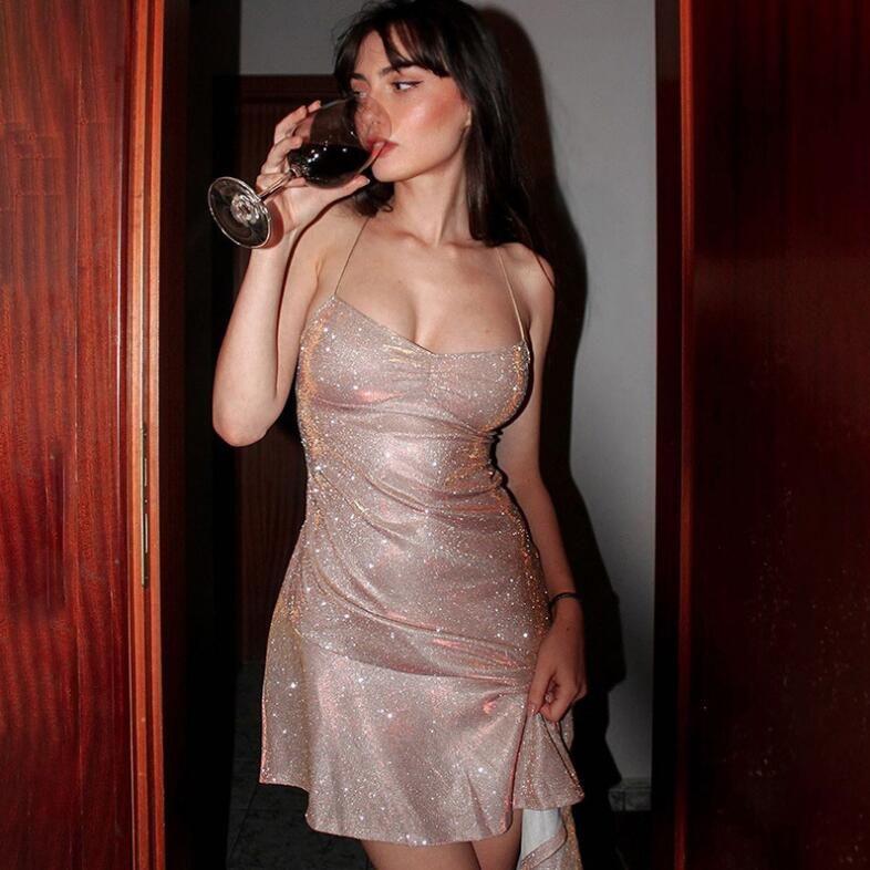 A-Line Mini-Verband-Kleid Frau Strand kleidet Frau Grundlegende V-Ausschnitt Vintage-Kleid weibliche Sommer-Kleid-Partei-Nachtclub, figurbetontes Kleid Sukienka