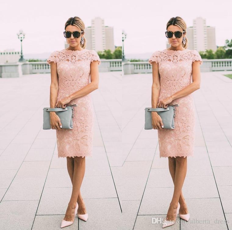 2020 싼 홍당무 핑크 어머니의 신부 드레스 쥬얼리 넥 짧은 소매 전체 레이스 무릎 길이 외장 파티 저녁 웨딩 게스트 가운
