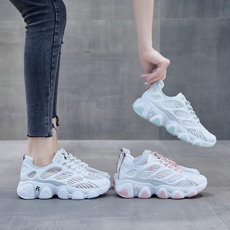 Mesh traspirante Dad Scarpe Donna 2020 nuovo modo selvatici cave casuali di sport Pattini Bianchi scarpe da tennis Estate Sapatos Feminina delle donne