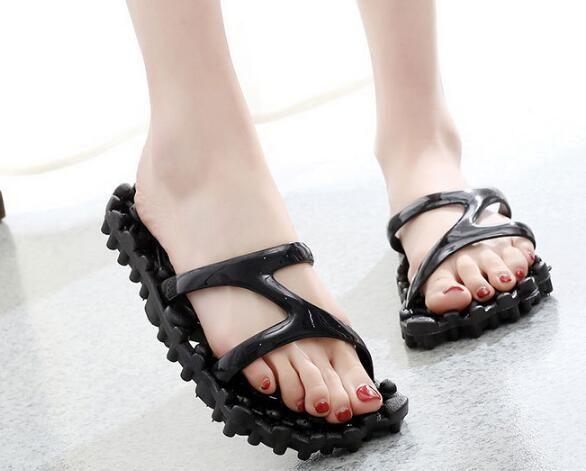2019 Nuovo sandalo anti-usura bagno pantofole da uomo coppie coperta d'acqua perdite anti skid massaggio sandali da donna Pantofole da massaggio Scarpe