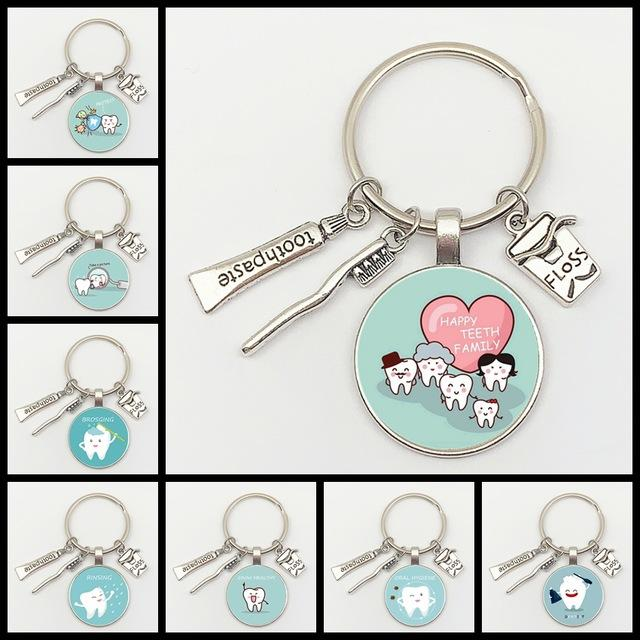 Key Chains New Fashion Personalized Dentist Glass Keychain Dental Assistant Gift Dental Care Jewelry Keychain Crafts
