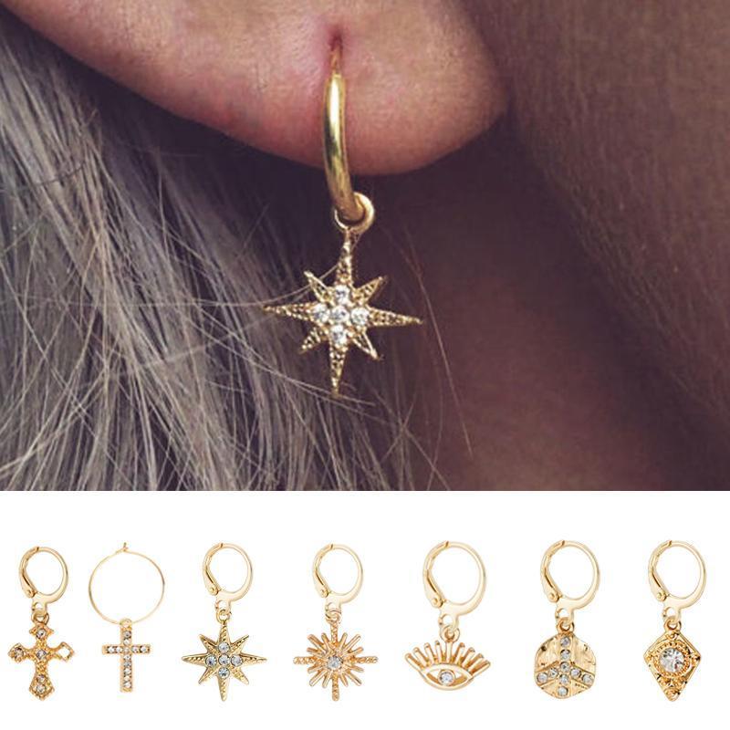 WildFree Estrela Hoop Brincos para Mulheres moeda de ouro Cruz olhos pequenos minúsculo Huggie Hoops Brincos com strass minimalista Jóias