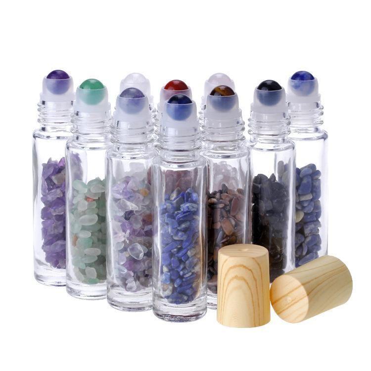 الناشر الضروري النفط 10ML لفة الزجاج واضحة على زجاجات العطور مع حجر الكوارتز الكريستال الطبيعي المحطم، كريستال الأسطوانة الكرة غطاء الحبوب الخشب