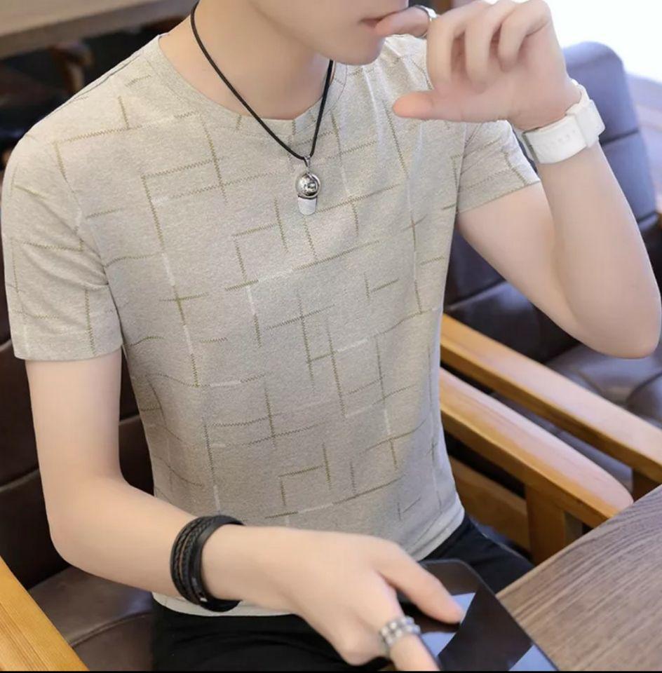T-shirt a maniche corte per uomo e New Leisure Top coreano per uomo nell'estate 2019