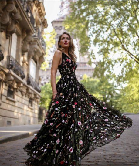 popular sexy deep V sleeveless embroidered dress slim fitting open back big swing Dress Prom