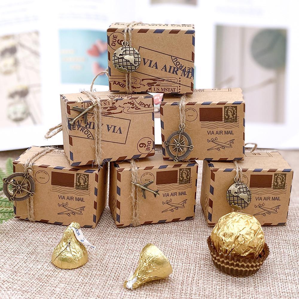 100PCS 빈티지 크래프트 종이 사탕 상자 여행 테마 비행기 항공 우편 선물 상자 결혼식 기념품 scatole regalo의 CY200523 포장 호의