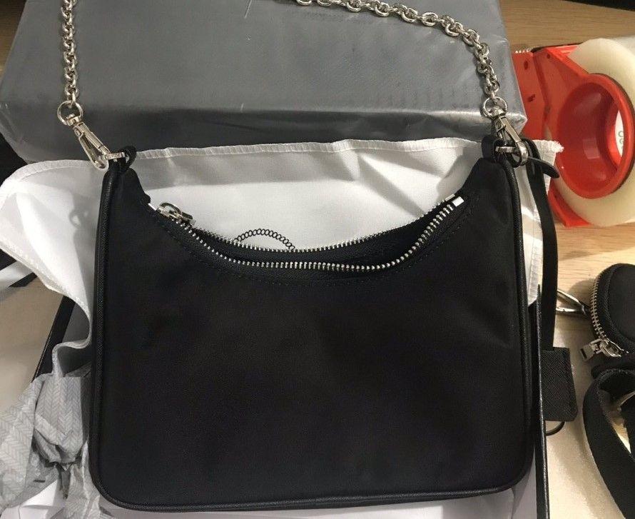 kutu Omuz Çapraz Vücut Çanta Fermuar bayan göğüs zincir kese torbaları ile yeni 2020 Çapraz Vücut Çanta Messenger 2 PC