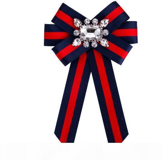 Pinos para as Mulheres Jóias Vestido Vestuário pinos strass Exquisite Bling Bling Suit Broche Para a festa Festival presente Broche 312