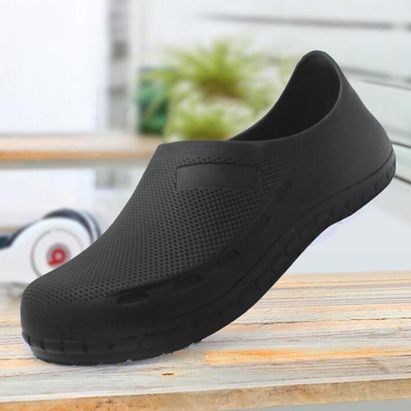 خفيفة الوزن ومريحة للتنفس شاطئ مطبخ عدم الانزلاق أحذية الشيف النفط والدليل الخاص أحذية مضادة للماء ارتداء أحذية العمل رقم 61