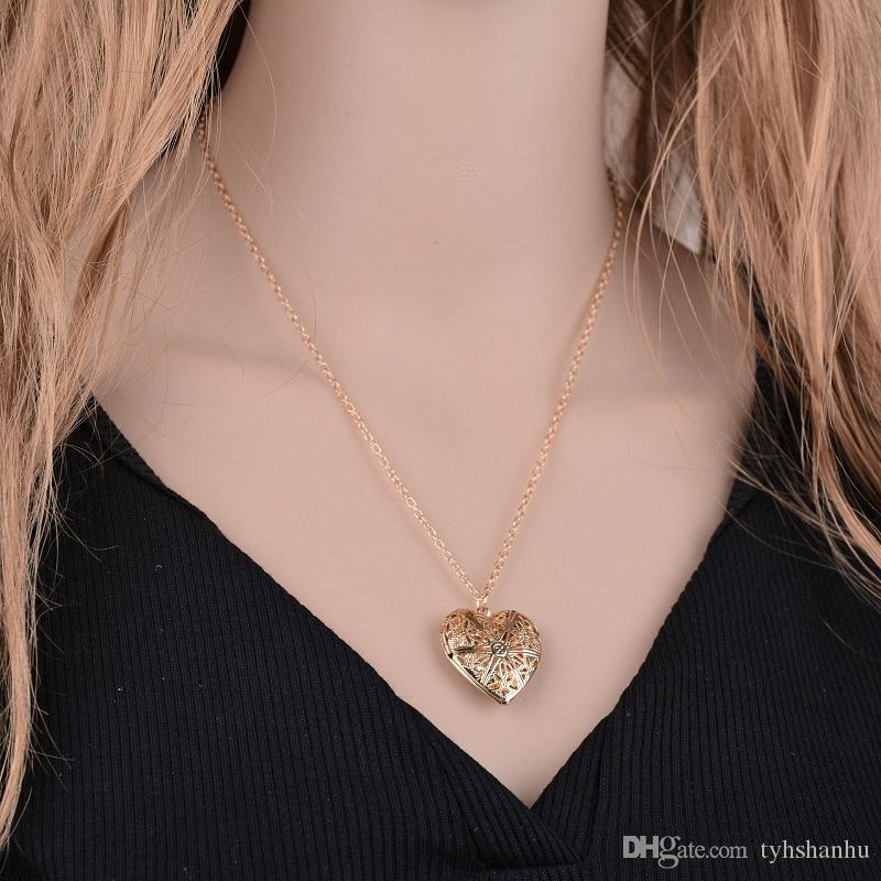 Plaqué hohle Herz-Anhänger in Form von Halskette Frauen Schmuck Accessoires nette Foto Box N475