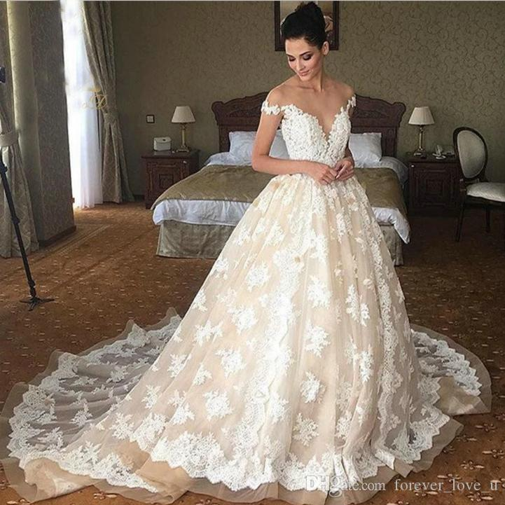 White Sexy V Neck off Shoulder Lace Appliques Sweep Train Ladies Wedding Dress 2019 Pakistan Bridal Wedding Dress