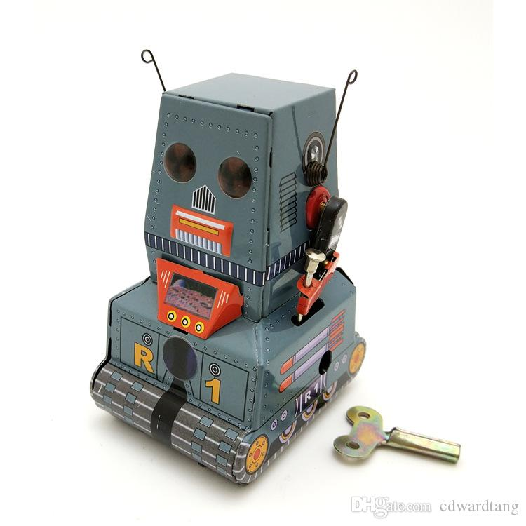 Cartoon Tinplate Tank Robot Wind-up Toy, Retro Personal Pendants, Ornament, Nostalgic Style, Kid' Party Birthday Christmas Gifts, Collecting