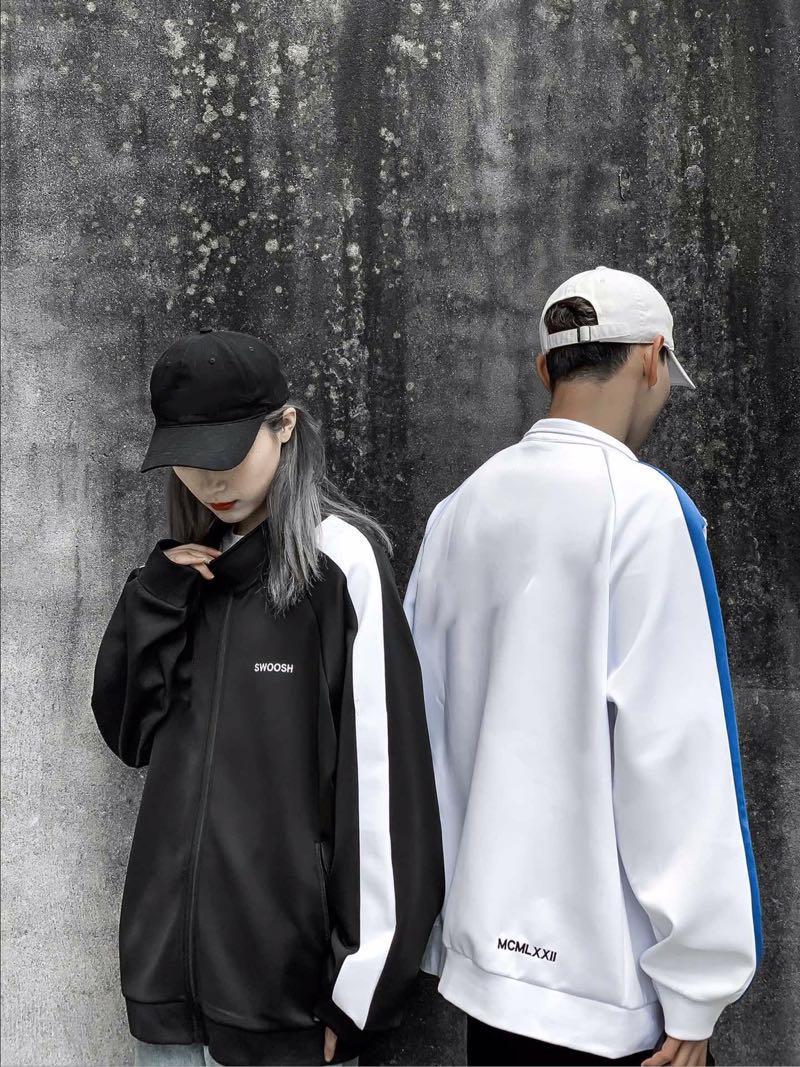 La chaqueta de uniforme Nik School. 2020 nueva primavera y otoño salvaje chaqueta casual mujer pareja modelos deportes chaqueta calle. Chaqueta de tendencia de moda