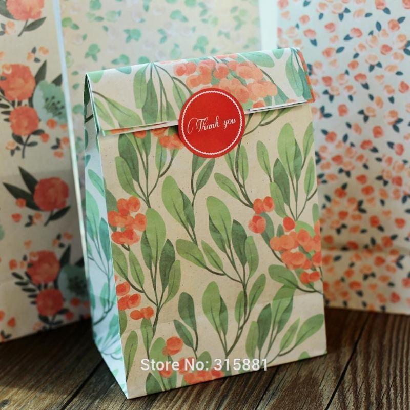 Favors 4pcs / set flores de presente Sacos de papel Craft de doces com etiqueta da festa de casamento do Natal Best Gift Bag Para