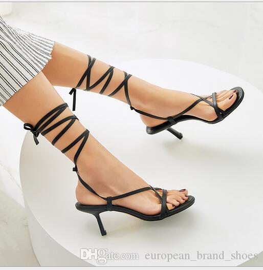 Sandálias das mulheres elegantes de salto alto fino de salto alto estilo novo-toed