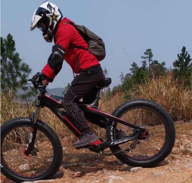دراجة كهربائية ألياف الكربون 26inch دراجة كهربائية قرص الفرامل دراجة كهربائية 26 * 4.0 الإطارات 8 سرعة الدهون E-الدراجة السلطة بمساعدة-