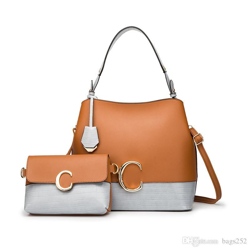 Hot New 2Pcs / Sets Женщины кожаные сумки на ремне сумки женщина большой емкости Повседневная сумка ковша Кошельки мессенджеров