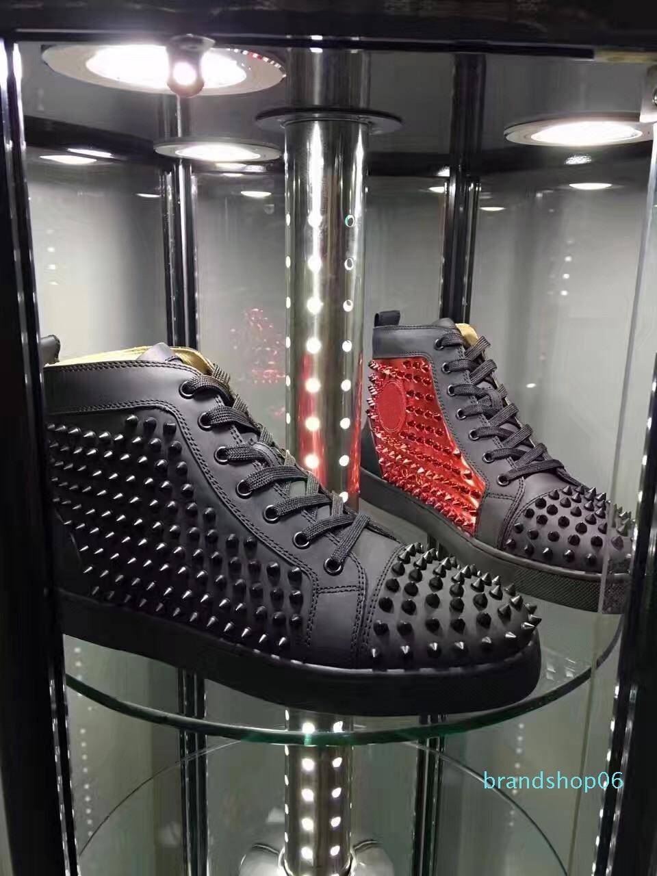 Name Marken-Qualitäts-beiläufige Mann-Frau-Rot-Unterseite Sneaker Fashion Patchwork Shining Gold High Top Niete schnüren sich oben Partei-Schuhe Spikes d09