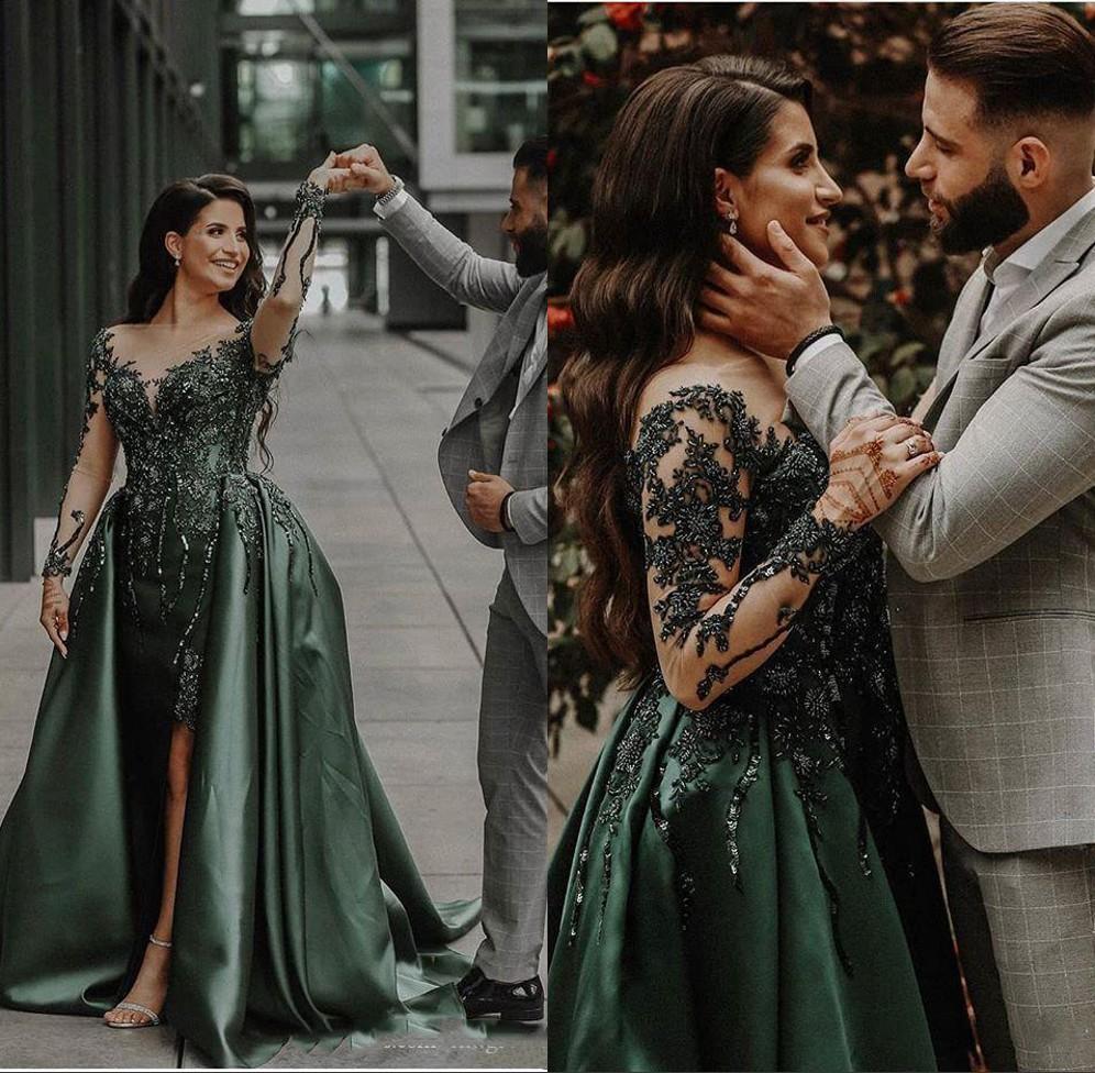 Hunter Emerald Green Abend-formales Kleid 2020 Luxury Long Sleeve wulstige Spitze sexy Schlitz Arabisch Gelegenheit Abendkleid mit Overskirt