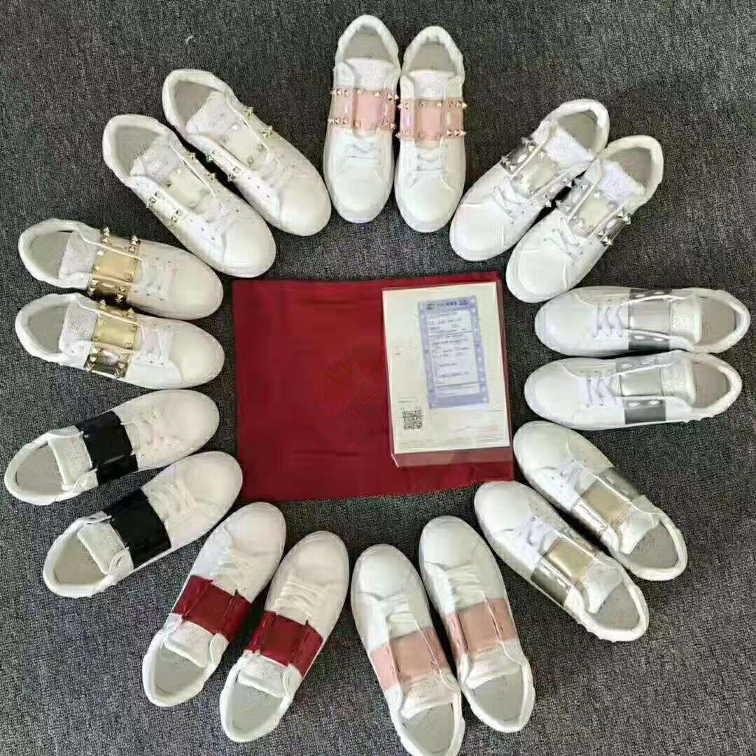 Mulheres Mens Unisex de designer de couro branco tênis da moda de luxo casuais com pirâmide rocha Shap pregos rebite Low Top EUR34-44