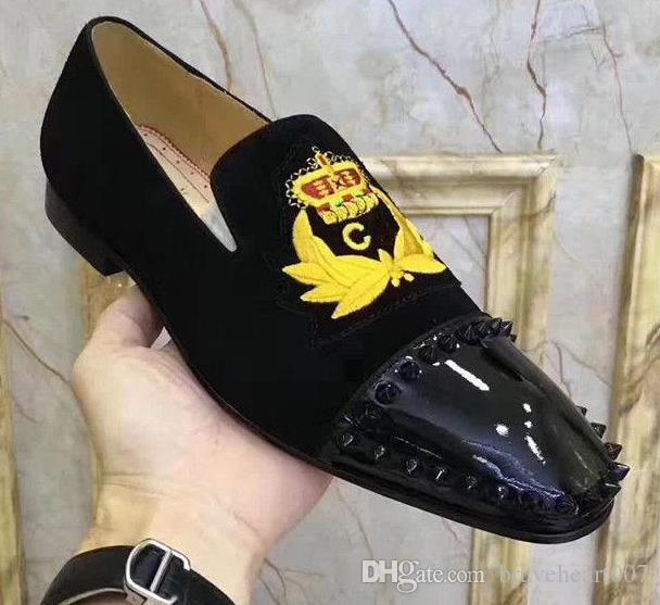 Nuevo vestido de boda del dedo del pie cuadrado de Mens Spikes Back inferior rojo de la borla de los holgazanes de los zapatos de Oxfords marca con la fiesta de negocios Leopard zapatillas de deporte c2