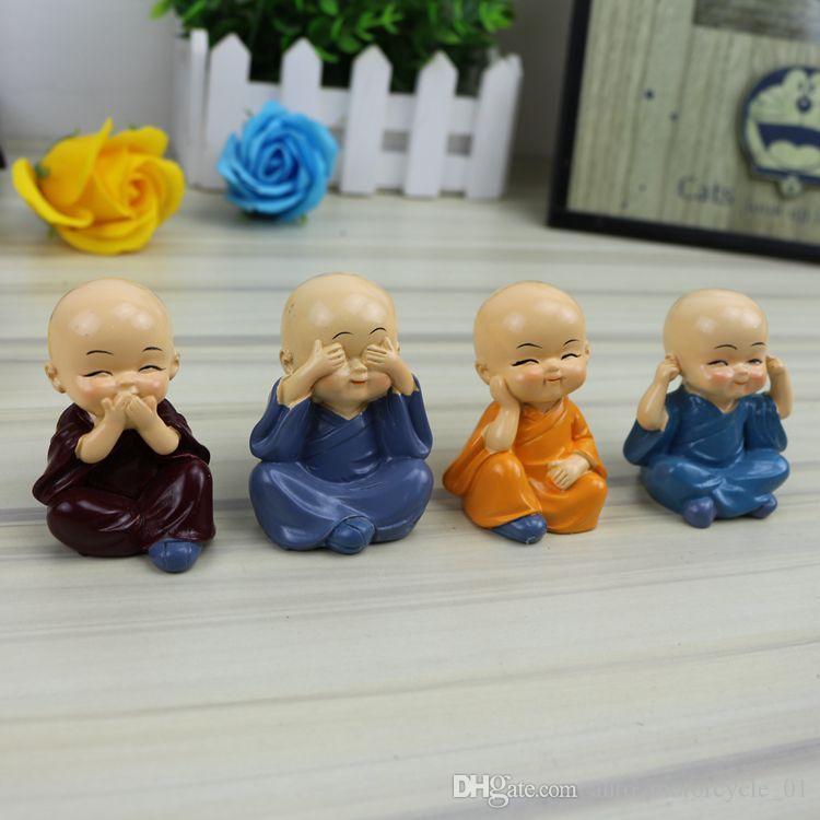 Mini Monks heykelcik 4pcs / set Araç Dekor Mini Peri Bahçe çizgi karakter aksiyon figürleri heykel Modeli Reçine süsler çocuklar oyuncakları AAA1440