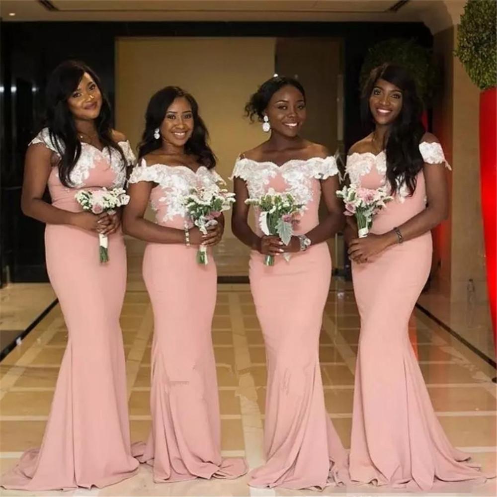 2020 africano fuori dalla spalla della sirena del raso lunghi damigella d'onore increspato sweep treno Invitato a un matrimonio partito della domestica dei vestiti onore