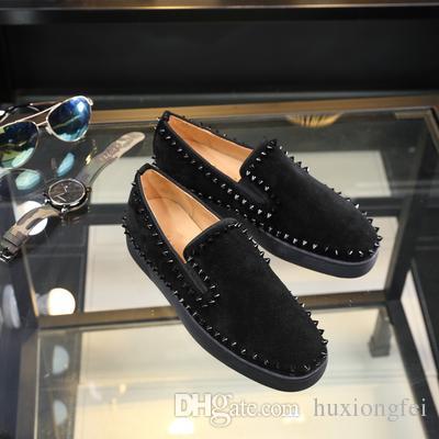 Los zapatos de cuero de remache simple para el nuevo estilo 2019 para hombres forman zapatos bajos para las mujeres