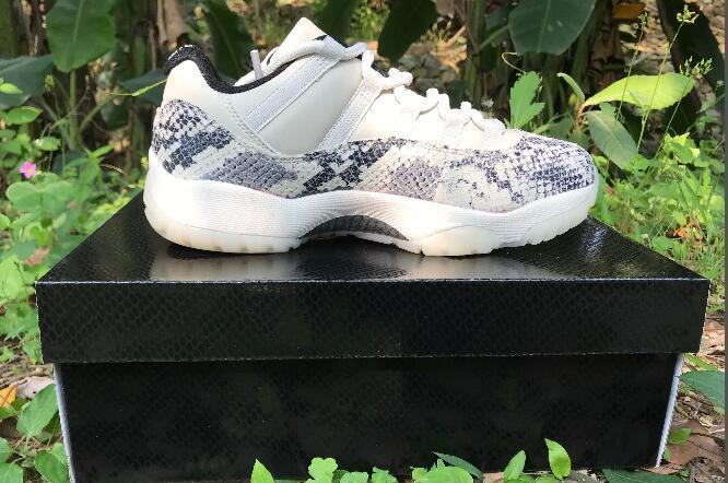 2020 Новых поступление мужчин с низким топ 11s качества дешево высокого белого черного серой кожей змеиной кожи мужчина сеток Гоночной обуви размером 40-47