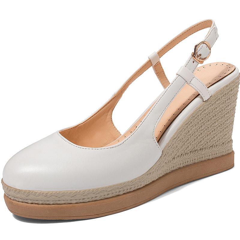 Nuevas mujeres de la llegada elegantes zapatos de punta redonda de primavera y verano Night Club metal Decoración bombea los zapatos de cuero suave Mujer
