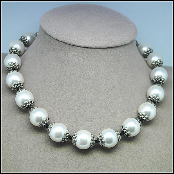 nouvelle femme est arrivée matériel shell collier tour de cou 45cm longueur supérieure conceptions de bijoux de mode avec apprêts en métal