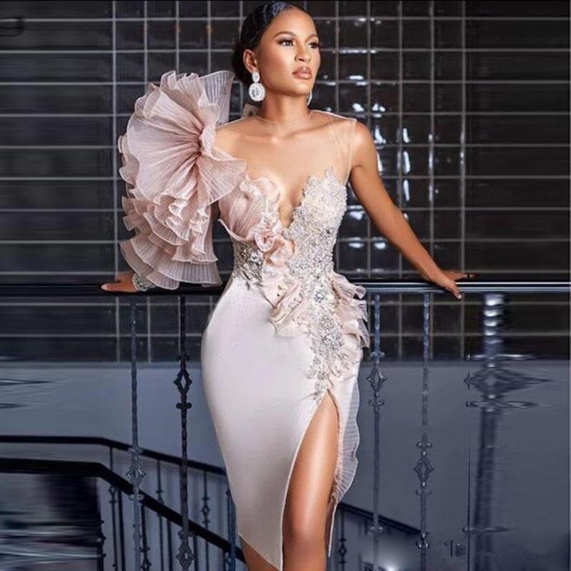 2020 Stunning abiti da sera in pizzo rosa increspatura in rilievo puro gioiello collo alto anteriore Split formale abiti del partito Prom Dresses vesti de soiree