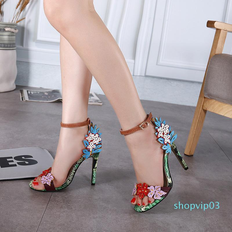 Hot2019 Wide Range Of Collisions A Round Toe Head Flower Fine With Buckle Bring Grace Ma'am Summer Sandals