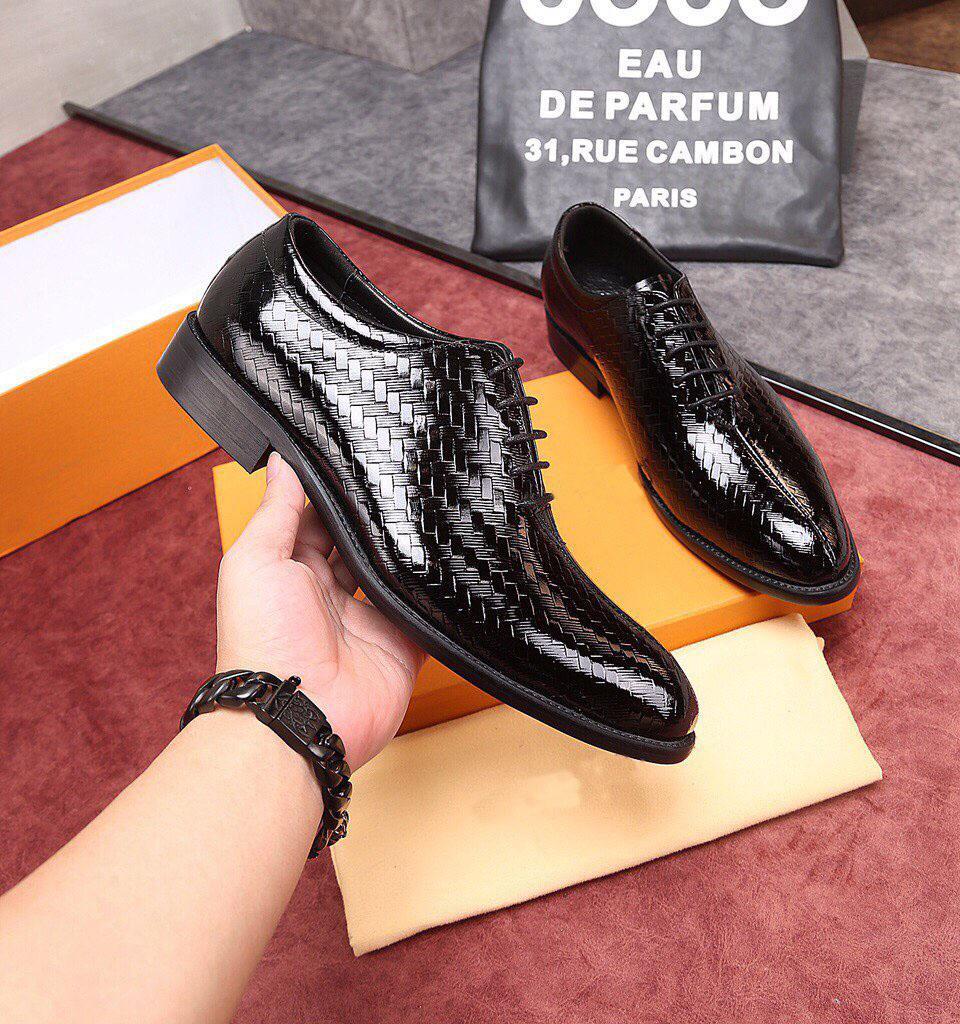 Moda uomo mocassini business in vera pelle festa formale oxford designer di marca scarpe da sposa traspiranti abito da sposa zapatos hombre taglia 38-44