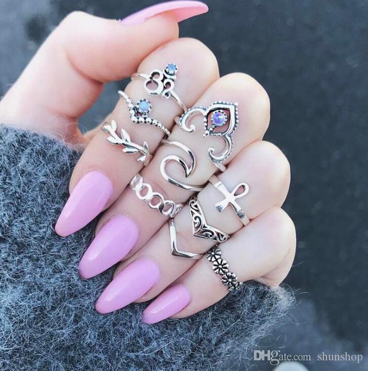 10 ADET / TAKıM V Çiçek Yüzük Kadınlar için Set Yeni Bohemian Şerit Parmaklar Knuckle Yüzükler Kristal Parti Takı