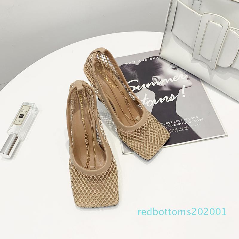 2020 nouvelle Vintage bout carré extensible Pompes Femmes d'or chaîne de talons hauts Femmes Air Mesh Designer Shoe Livraison gratuite DF26 femmes