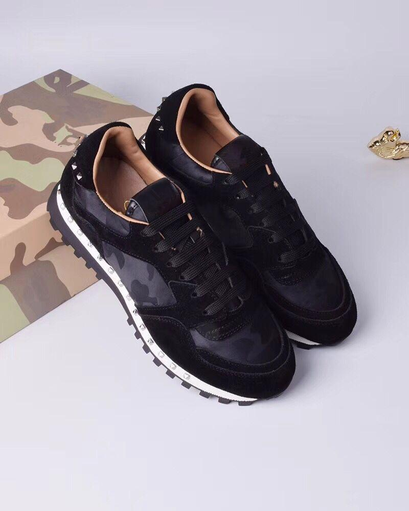 2019 Primavera e verão novo V casa camuflagem casuais homens e mulheres casal sapatos de desporto rebites rendas de couro cor maré sapatos de correspondência de cores m189609