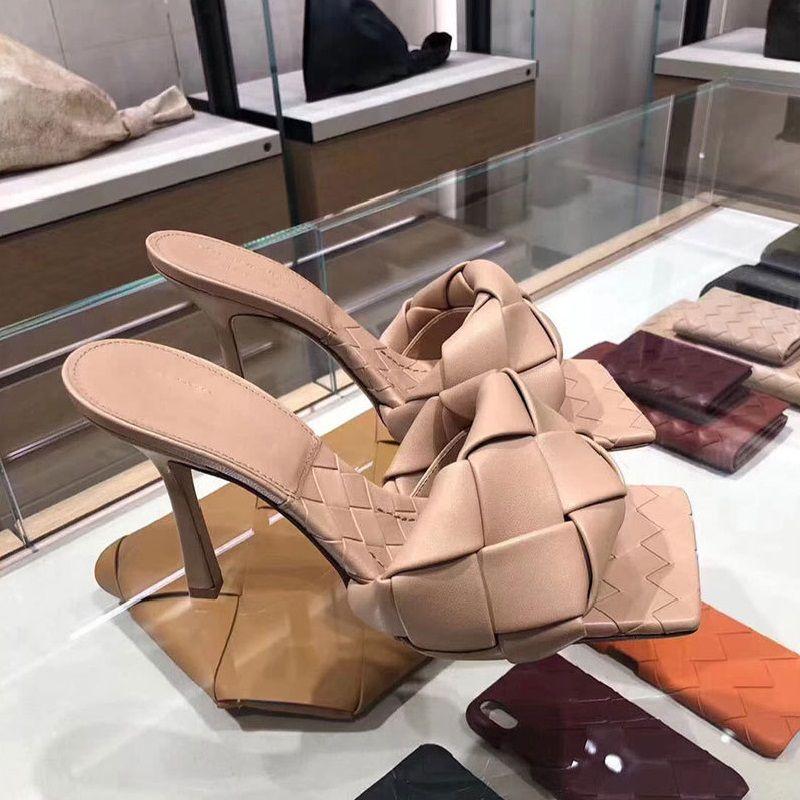 2020 Fashion Square Toe Weave Tacchi alti Scarpe in pelle Pantofole donna signore Street Beach Sandals Shoes Slides