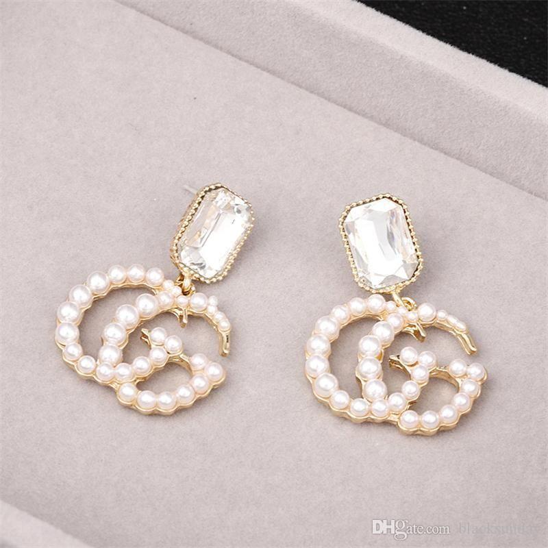 Marque de mode Boucles d'oreilles avec Perles Lettre Délicat Boucles d'oreilles pour femmes tendance femmes Pendentif Accessoires Boucles d'oreilles