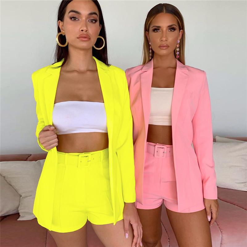 2020 Kadın Yeni İnce Katı Renk Yaka Takım Elbise Kıyafetleri Ceket Mizaç moda Şort Küçük Suit İki parçalı Seti
