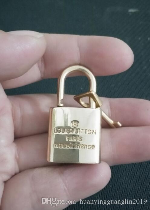 1psc geben Verschiffen Gepäckvorhängeschloß, Verschlusssatz = 1 Verschluss + Schlüssel Handtaschen-Verschluss, Verschlusssatz frei