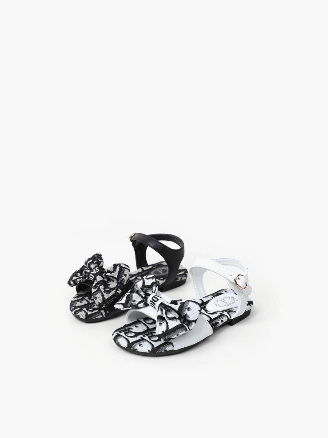 حذاء طفل الصنادل السوداء للفتيات الصغيرات حذاء اللباس الصيف 2020 جديد وصول الطفل النعال حذاء طفل المشي النعال المنزل 9C-3Y