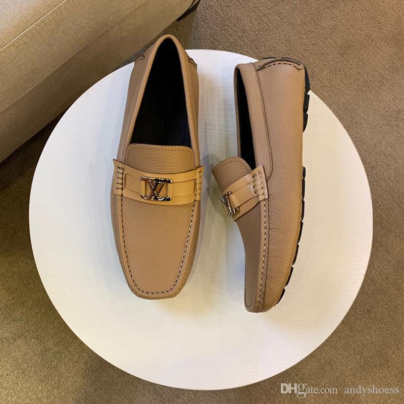 Os tênis New sapatos masculinos da moda de luxo de couro reais Peas botão Plano de metal sapatos clássicos formadores sapatos casuais para homens de alta qualidade