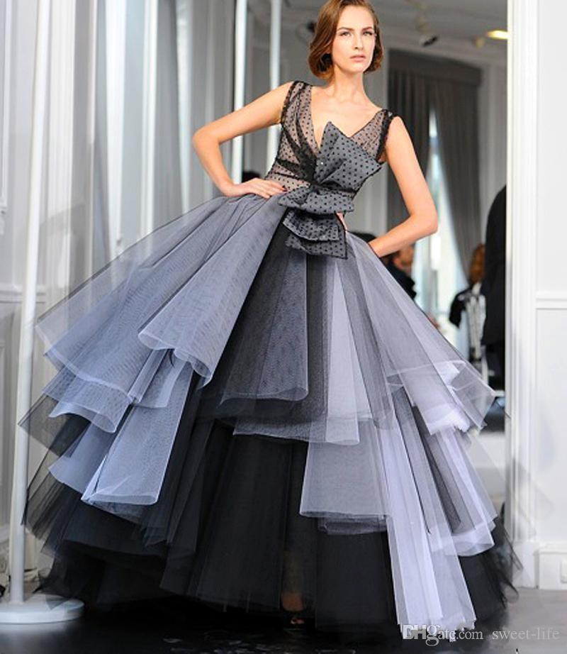 2020 Grey Black Ball Gown A Line Evening Dresses Sleeveless Tiered Skirts Celebrity Formal Prom Party Gowns