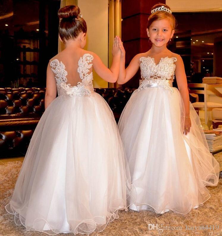 2020 새로운 공주 꽃 여자 드레스 웨딩 V 목 레이스 아플리케 진주 얇은 명주 그물 층 길이 생일 어린이 여자 미인 가운