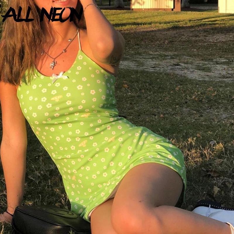 ALLNeon e-kız Sweet Yeşil Çiçek Elbiseler Vintage Kawaii Y2K Yaz Spagetti Askı Parti Mini Elbise Sevimli Streetwear Şık Kıyafet T200604