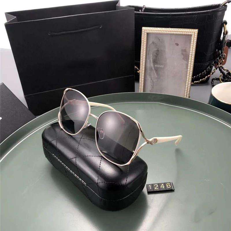 رجل امرأة مصمم النظارات الشمسية الصيف حملق النظارات الشمسية UV400 PJ1246 خمسة ألوان الاختياري عالية الجودة مع Box2