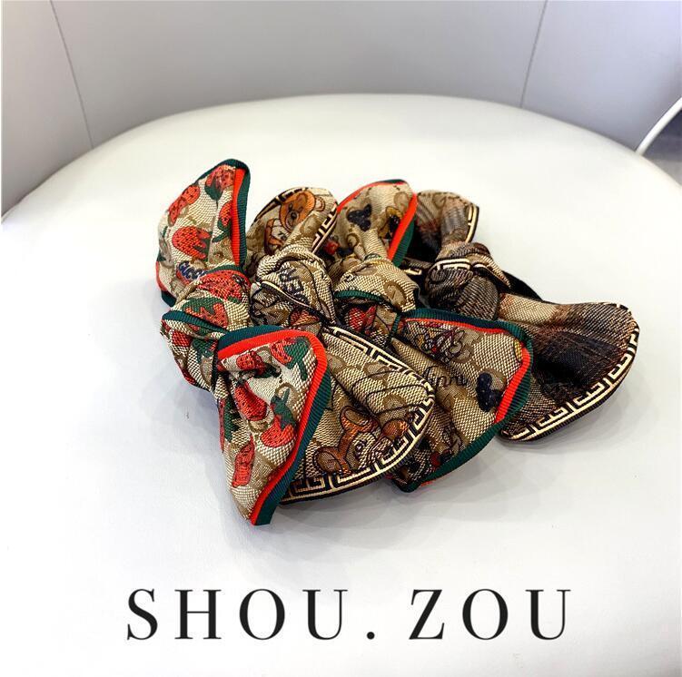 2020 клубничного письмо головы веревка женщина Корейская небольшая свежая завязывают резинка женщина с широкими полями высокого класса ткани мода атмосферы волосы