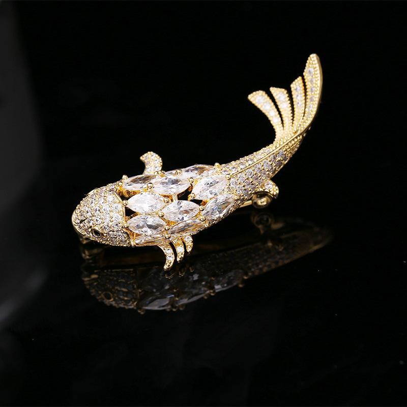 Moda Goldfish Corsage Para Meninas criativa Cyprinoid Lenço Fivela Micro Zircon Broches Pinos marca de jóias Wedding Designer