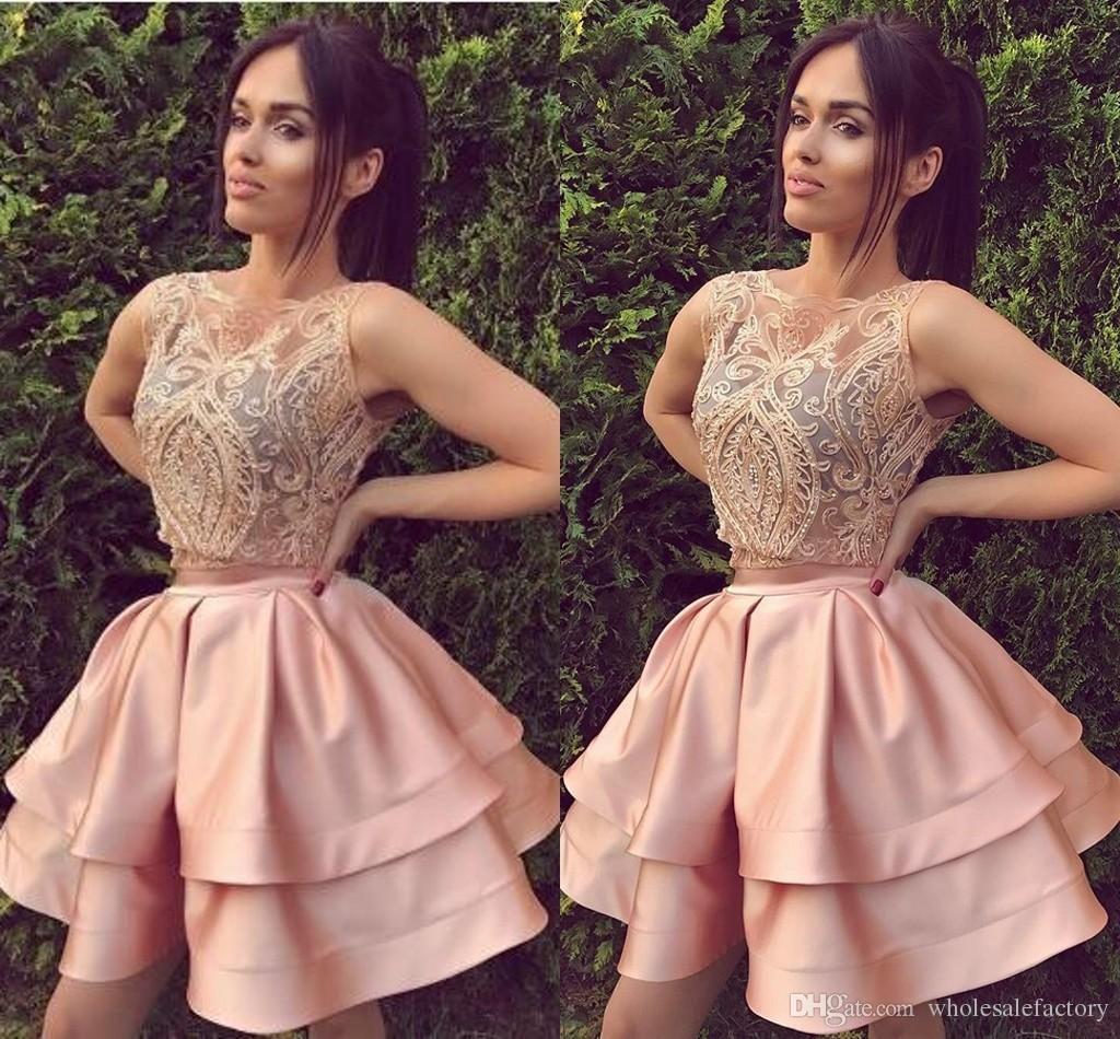 Großhandel Zweiteilige Kurze Heimkehr Kleid Erröten Rosa Mit  Spitzenapplikationen Kurze Ballkleider Abschlussfeier Kleider Einzigartig  Von